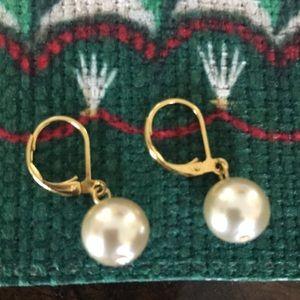 Jewelry - Pearls earrings 🌺🌺🌺